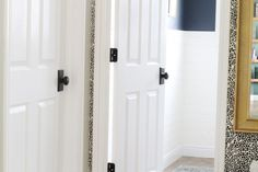 New Knobs + A Tip for Always Finding the Best Price - Chris Loves Julia White Interior Doors, Interior Door Knobs, Interior Railings, Bathroom Interior, Interior Paint, Luxury Interior, Interior Styling, Interior Design, White Panel Doors