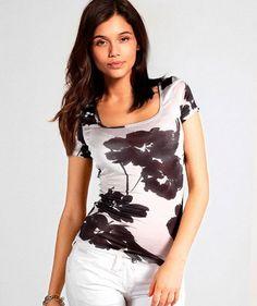 Модные женские футболки для девушек на лето 2015 года: на фото представлены основные тенденции