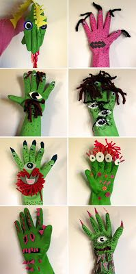 Adaptació per Halloween! Turkey Handprint, Handprint Art, Manualidades Halloween, Halloween Crafts, Monster Gloves, Box Creative, Thanksgiving Crafts For Toddlers, Monster Book Of Monsters, Puppet Crafts