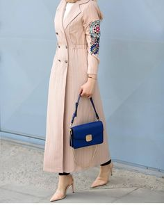 Our favorite jacket dress is in stock again 🌸🤗 WhatsApp information and order line 05300171083 Workwear Fashion, Abaya Fashion, Muslim Fashion, Modest Fashion, Fashion Dresses, Hijab Style, Hijab Chic, Hijab Dress Party, Hijab Outfit
