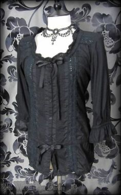 Romantic Victorian Black Pintuck Lace Ribbon Blouse 10 Elegant Goth Vintage | THE WILTED ROSE GARDEN on eBay // Worldwide Shipping Available
