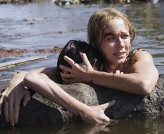 'The Impossible' Review: It's a Horrifying Tsunami, and You Are There | The Wrap Movies