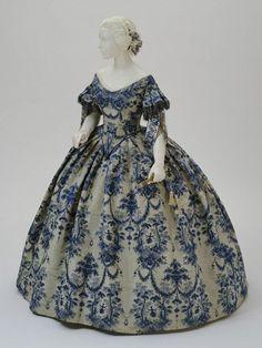 Evening Dress, 1850-1855, via The Philadelphia Museum of Art.