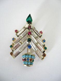 Vintage Christmas Tree Brooch Rhinestone and by jwvintagejewelry