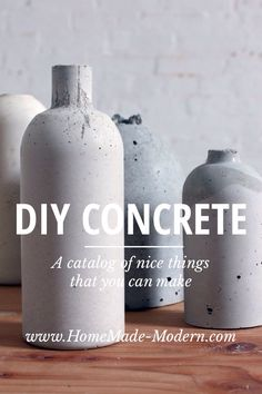 Floreros de hormigón - Concrete vase DIY by HomeMade Modern Concrete Crafts, Concrete Art, Concrete Projects, Concrete Planters, Do It Yourself Inspiration, Diy Inspiration, Diy Décoration, Diy Crafts, Homemade Modern