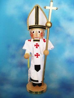 || Steinbach 2013 Pope Francis the First Nutcracker || Limited to only 5,000 nutcrackers, this depiction of Pope Francis the First is sure to be a classic collectible. Measures 14-15 inches tall and hand-signed by Karla Steinbach. NS1654 #Steinbach #nutcrackers #Pope