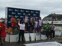 3 de agosto: 77  Descenso Internacional del Sella. Entrega de premios en el podium de Ecopilas.