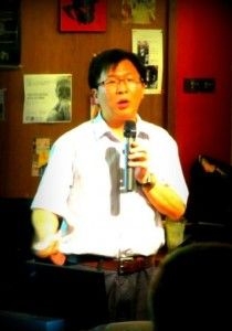 Zhang Changdong (张长东), Professor of Political Studies at Peking University, gave a talk on NGOs in Wudaokou's famed Bridge Café - organized by ThinkINchina - to an audience of local and foreign students, expats, and professionals.