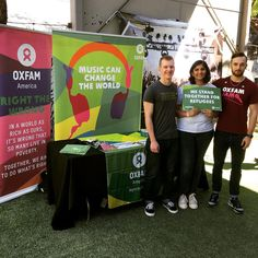 Our amazing volunteers from Oxfam UT Austin are helping music fans take action at the @officialculturecollide #SXSW event at @containerbar_atx today through Friday. If you are in Austin, stop by and say hi! #BandsNotBans #refugeeswelcome