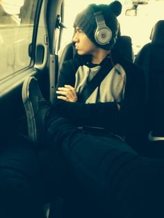"Embedded image permalink. ""Calum is my foot rest."""