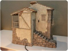 Belén castellano. Colección particular Beaded Christmas Ornaments, Christmas Decorations, Nativity Stable, Medieval Houses, Miniature Houses, Stop Motion, Little Houses, Dollhouse Furniture, Sculpture Art