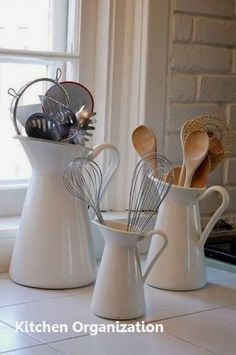 I need to do this - sans the Ikea though! 21 IKEA Hacks That Will Drastically Change The Way Your Home Looks - Dose - Your Daily Dose of Amazing Ideas Para Organizar, New Kitchen, Kitchen Ideas, Country Kitchen, Kitchen Tools, Rustic Kitchen, Kitchen Modern, Kitchen Hacks, Smart Kitchen