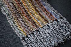 VÅRLI : Et lekkert skjerf - Langetantesetjesjaal Blanket, Scarfs, Crochet, Fashion, Moda, Scarves, Fashion Styles, Ganchillo, Blankets