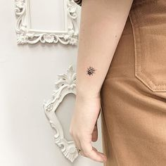 Here are beautiful Ladybug Tattoos Ideas Designs For Summer which will look adorable and cute on you. we hope you have found the best Ladybug Tattoos Ideas Designs to copy. Lady Bug Tattoo, Tiny Tattoos For Girls, Small Tats, Tribal Tattoos, Black Tattoos, Tatoos, Mini Tattoos, Ladybird Tattoo, Beetle Tattoo