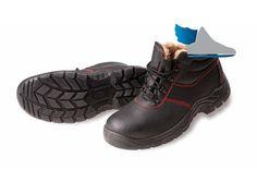 Zimná, bezpečnostná členková obuv s oceľovou špičkou.
