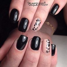 It is exquisite nail art with black glossy lacquer. This combination of colors will always be a winner for each girl. Monotonous covering of dark colors ch