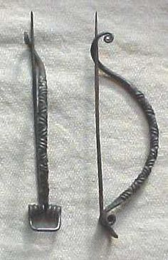 Daniela contreras Fibulae is an ancient safety pin used by the Greeks in order to secure chitons.