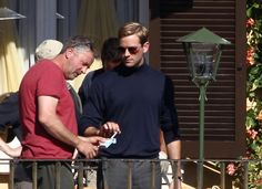 armie hammer and henry cavill | Henry Cavill, Armie Hammer, and Hugh Grant shoot The Man From U.N.C.L ...