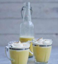 Ägglikör med vanilj och grädde Different Coffee Drinks, Different Coffees, Cocktail Drinks, Cocktails, Irish Coffee, Banana Cream, Glass Of Milk, Vodka, Beverages