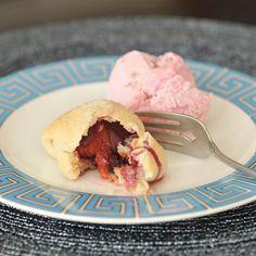 Plum Pie Bites. Recipe from http://spabettie.com/2012/10/09/plum-pie-bites/?utm_source=feedburner_medium=feed_campaign=Feed%3A+Spabettie+%28spabettie%29_content=Google+Reader#.