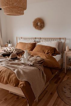Tan bedding on neutral bedroom Tan bedding on neutral. - campusfashion - Tan bedding on neutral bedroom Tan bedding on neutral bedroom - Boho Bedroom Decor, Room Ideas Bedroom, Bedroom Inspo, Dream Bedroom, Home Bedroom, Bedroom Designs, Budget Bedroom, Earthy Bedroom, Warm Cozy Bedroom
