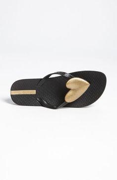 Simple everything sandal?