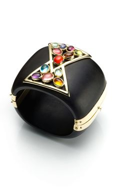 Love these cuffs by Kara Ross. Very Verdura. I feel like Diana Vreeland would be a huge fan if she were here today...