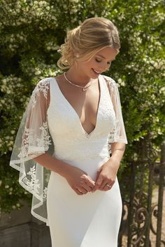 Stunning designs from the heart of the Devon Countryside. Backyard Wedding Dresses, Dresses To Wear To A Wedding, Wedding Wear, Bridal Dresses, Boho Wedding Dress, Wedding Gowns, Bridesmaid Dresses, Bridesmaid Get Ready Outfit, Lace Wedding
