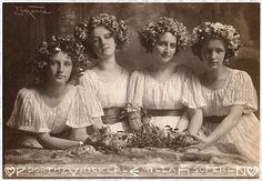 Four Sisters, Dorthy, Rilker, Milla and Soferl, 1900 // by  Frank Eugene