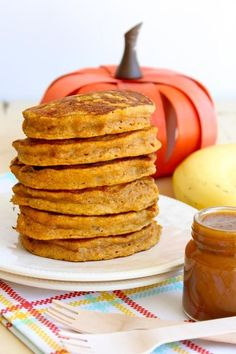 Pumpkin Banana Pancakes with Pumpkin Spice Syrup and other yummy recipes! Moist Pumpkin Bread, Pumpkin Spice Muffins, Pumpkin Spice Syrup, Pumpkin Oatmeal, Pumpkin Pancakes, Banana Pancakes, Pumpkin Breakfast, Oatmeal Cups, Fluffy Pancakes