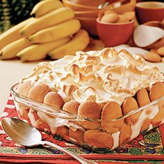 Banana Pudding Recipe _ This Southern Favorite is always a hit at family dinners & great for bringing to parties. Enjoy the combination of flavors & textures in this banana pudding recipe.