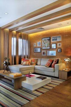 living, quadros, parede de tijolo, tendência, decoração, sofá, tapete colorido, piso vinílico