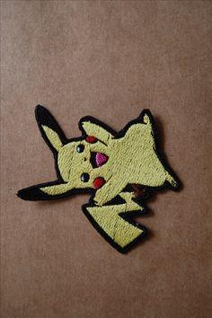 Patch 100% bordado. Acabamento manual. pikachu. www.facebook.com/PatchesDonaRamona