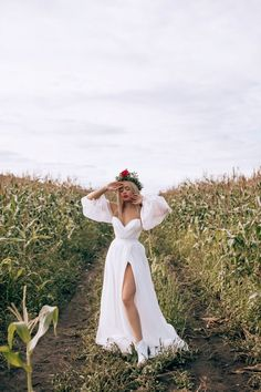 Photography Poses Women, Girl Photography, Creative Photography, Fashion Photography, Bohemian Photography, Feminine Photography, Shotting Photo, Bridal Gowns, Wedding Dresses