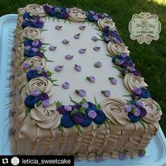 Image may contain: food Gothic Birthday Cakes, Birthday Sheet Cakes, Cake Pop Decorating, Birthday Cake Decorating, Pastel Rectangular, Purple Butterfly Cake, Anniversary Cake Designs, Sheet Cake Designs, Foto Pastel