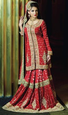 Pakistani wedding dresss for females and women every women must wear this elegant Design. Latest Bridal Dresses Collection 2016 Famous Pakistani Designers