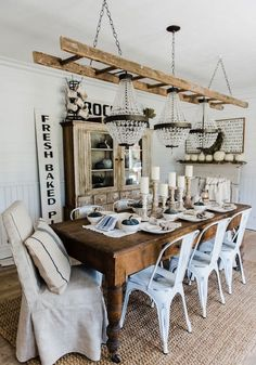 Simple Neutral Fall Dining Room – Lovely farmhouse & rustic cottage style fall d… - Home Page Farmhouse Dining Room Table, Dining Room Table Decor, Farmhouse Furniture, Dining Room Design, Rustic Farmhouse, Furniture Decor, Dining Area, Farmhouse Ideas, Dining Tables