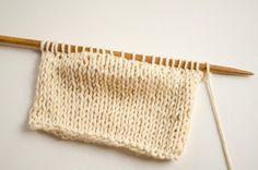 To work short rows is a basic skill every knitter should have. This technique is. Knit Purl Stitches, Knitting Stiches, Sweater Knitting Patterns, Knitting Charts, Knitting Videos, Baby Knitting, Learn How To Knit, How To Purl Knit, Knitting Short Rows