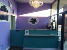 Dog grooming rooms the green leaf dog grooming room complete with the upscale tail pet grooming salon naperville il theupscaletail 630 solutioingenieria Images