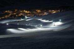 Las Leñas - Malargüe - Provincia de Mendoza    Las Leñas, es uno de los centros de esquí y de snowboard más importantes de Argentina, se encuentra ubicado en el valle homónimo al sur de la provincia de Mendoza en el noroeste del departamento Malargüe, y en el interior de la cordillera de Los Andes.