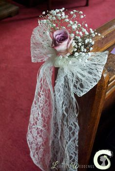 Lace bow and single rose pew end decoration - church wedding flowers - vintage w. Lace bow and single rose pew end decoration - church wedding flowers - vintage wedding - by Laurel Weddings Church Pew Wedding Decorations, Church Wedding Flowers, Vintage Wedding Flowers, Purple Wedding Flowers, Wedding Bows, Diy Wedding, Wedding Bouquets, Wedding White, Green Wedding