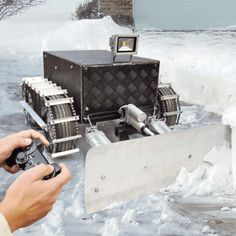 Here comes the open source Snow Plow Robot | Open Electronics