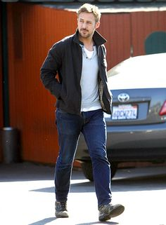 Ryan Gosling took a casual strolls to lunch in Studio City, Calif. Feb. 13