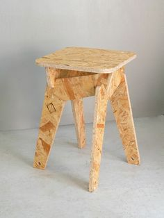 home decor signs Osb Plywood, Plywood Chair, Plywood Furniture, Diy Pallet Furniture, Cool Furniture, Plywood Projects, Woodworking Table Plans, Bois Diy, Diy Holz