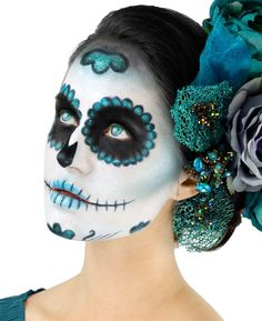 Teal Enchantment , Teal Enchantment - Celebrate Day of the Dead With These Sugar Skull Makeup Ideas - Photos. , Teal Enchantment , Teal Enchantment - Celebrate Day of the Dead With These Sugar Skull Makeup Ideas - Photos. Costume Halloween, Halloween Makeup Kits, Spirit Halloween, Halloween Diy, 90s Costume, Family Halloween, Halloween Halloween, Halloween Pumpkins, Sugar Skull Halloween