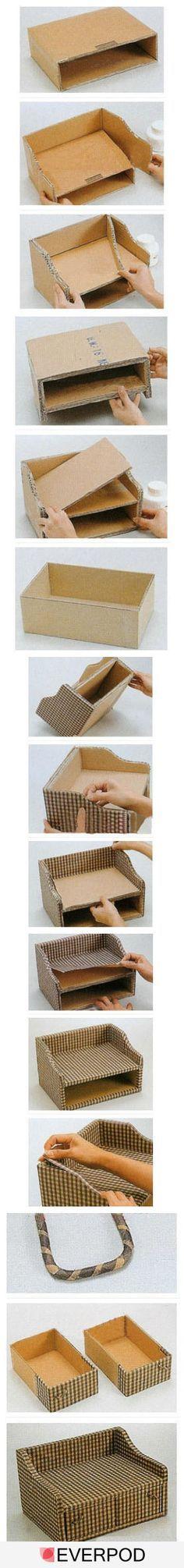 Pequena estante com gavetas (com papelão reciclado)