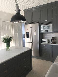 Farmhouse Kitchen Decor, Home Decor Kitchen, Interior Design Kitchen, Kitchen Furniture, Large Kitchen Island Designs, Beautiful Kitchen Designs, Grey Kitchens, Home Kitchens, Open Plan Kitchen Living Room