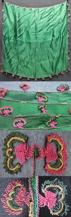 Silk 'oyalı yazma' (head scarf with edging in Turkish lace).  Western Anatolia, 1925-1950.  (Inv.nr. yaz061 - Kavak Costume Collection - Antwerpen/Belgium).