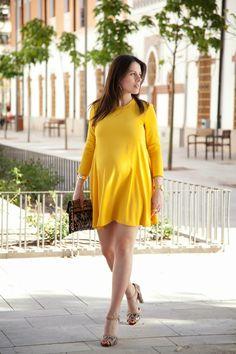 Yellow Dress. Pregnant Style.