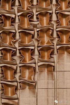 时装工艺|如何让寡淡的面料呈现点线面变化的丰富美感?装饰性褶皱!